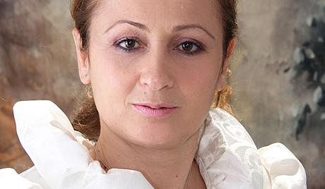 Détail de l'affiche de campagne d'Adelina Farrici